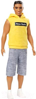 Кукла Barbie Кен в серых штанах и желтой футболке / DWK44/GDV14